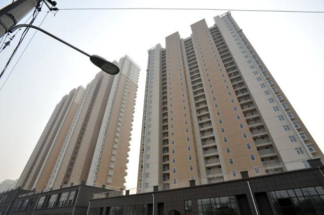Pofátlan kamuablakokat festettek a kínai panel toronyházakra 3. kép