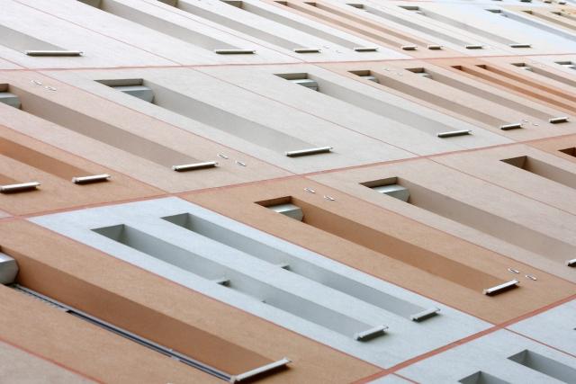 Panelépület a kaposvári Toldi utcában. A Renova Építőipari Kft. panelfelújítása az Év Homlokzata 2011 díjat nyerte el panel kategóriában. MTI Fotó: Varga György